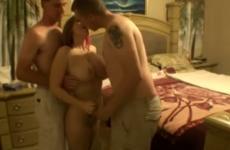 Un trio avec une jeune au gros seins - Vidéo candaulisme amateur