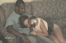 video candaulisme femme offerte