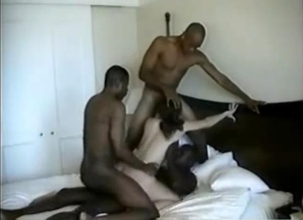 ... pour se faire sodomiser - Vidéo candaulisme amateur - Femme Offerte