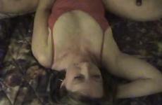 Le porno le grand membre dans un petit trou