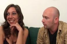Le mari souhaite voir sa femme se faire démonter - Cuckold vidéo