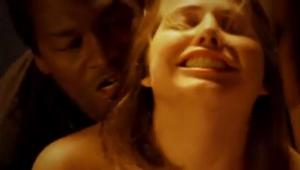 Baise et plaisir entre mari et femme survolts - Video sur