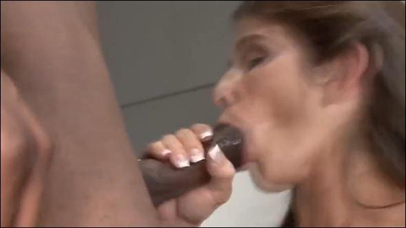 Femmes sucer des bites de flics