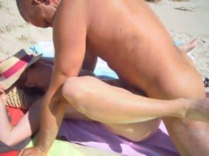 candaulisme-et-creampie-vaginale-a-la-plage-candauliste