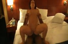 Orgasme sur orgasme pour cette femme mature